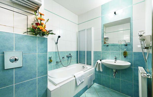 gourmetreise-hluboa-nad-vltavou-badezimmer