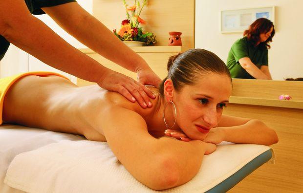 gourmetreise-hluboa-nad-vltavou-massage