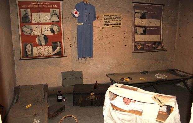 bunkerfuehrung-hagen-sanitaetsraum