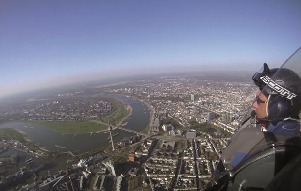 tragschrauber-rundflug-wuerselen-pilot
