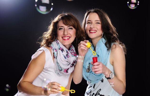 bestfriends-fotoshooting-wildau-seifenblasen