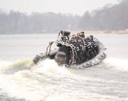 Speedboot fahren - ca. 1,5 Stunden City Sporthafen - ca. 1,5 Stunden
