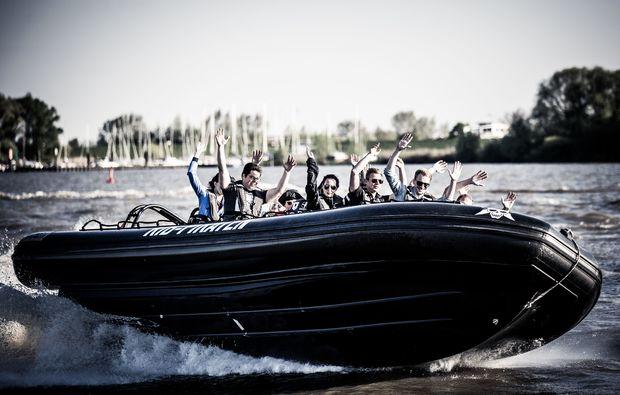 speedboot-fahren-hamburg-boot