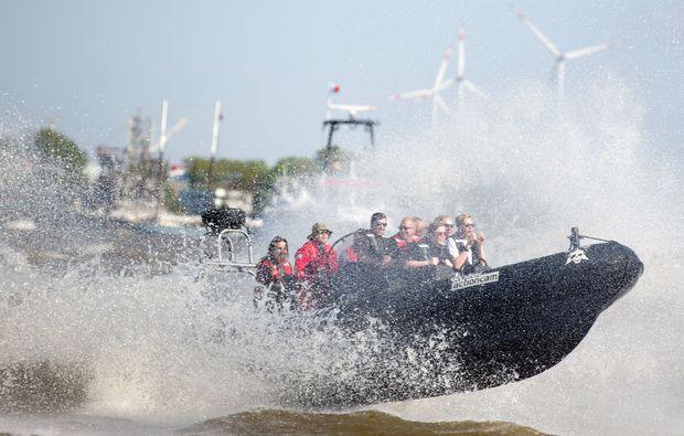 speedboot-fahren-hamburg-fun