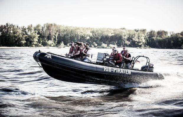 speedboot-fahren-hamburg-sport