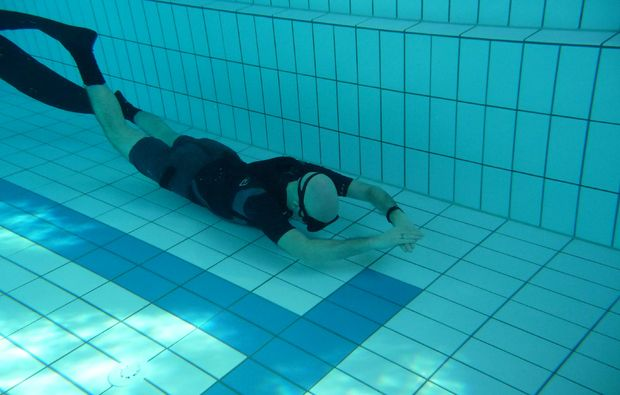 schnuppertauchen-freediving-apnoe-kempten-pool