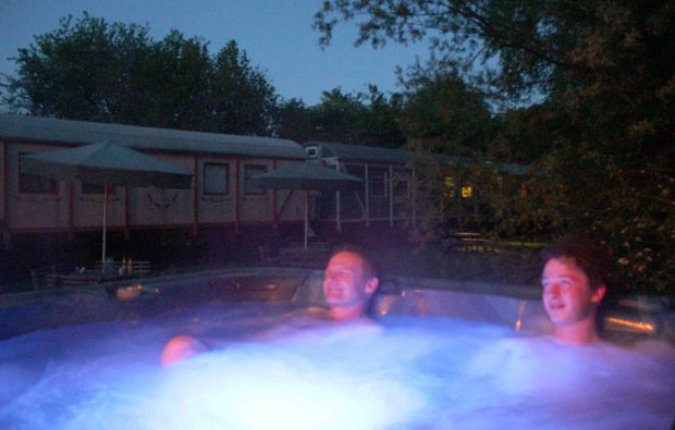 kurzurlaub-schmilau-pool
