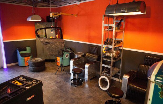 manikuere-muenchen-wartebereich-gents-garage
