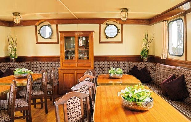 segeln-brunchen-kiel-essenbereich