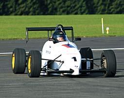 Formula BMW Kurs - 10 Runden Teststrecke - 10 Runden - 1,5 Km pro Runde - Formel BMW / Formel 3  Fahrzeug
