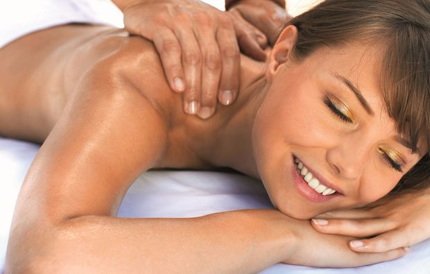 wellness-fuer-frauen-ehingen-ganzkoerpermassage