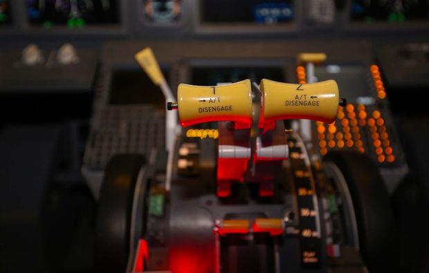 flugsimulator-boeing737-hamburg-armatur