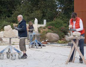 Bildhauer-Workshop Wolfsburg mit Kalkstein,  ca. 8 Stunden