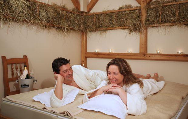 kraeuterstempelmassage-bad-fuessing-romantik