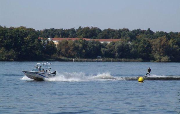 wasserski-fahren-potsdam-freizeit