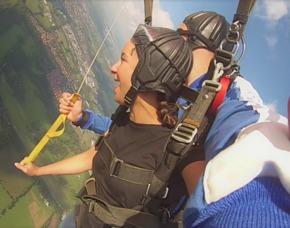 Fallschirm-Tandemsprung - Hüttenbusch/Worpswede Sprung aus ca. 3.000-4.000 Metern - ca. 25-50 Sekunden freier Fall