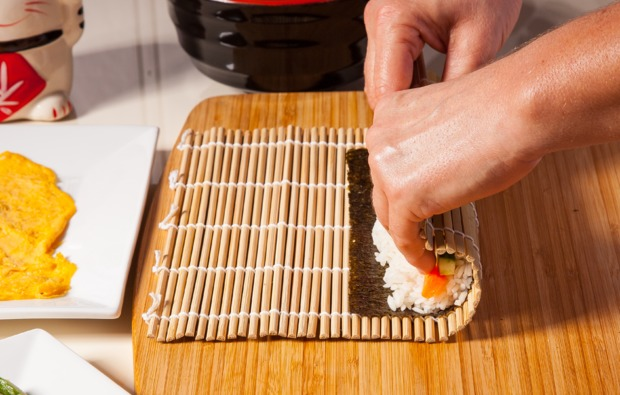 sushi-kochkurs-in-koeln-zubereiten