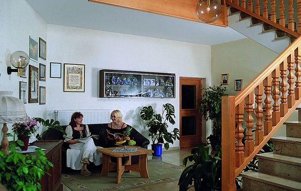 zauberhafte-unterkuenfte-buechlberg-treppe