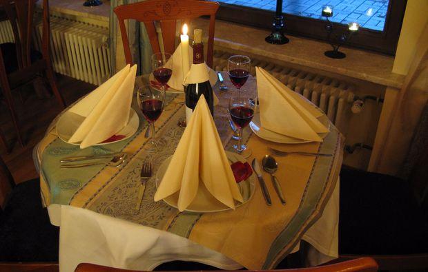kleine-koestlichkeiten-fuer-zwei-lam-dinner