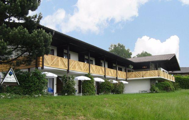 kleine-koestlichkeiten-fuer-zwei-lam-hotel