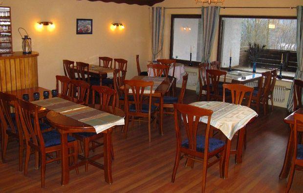 kleine-koestlichkeiten-fuer-zwei-lam-restaurant