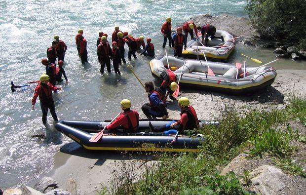 schlauchboot-tour-mayrhofen-abenteuer