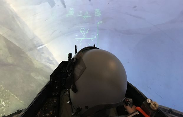 pilot-f16-kampfjet-flugsimulator-muenchen