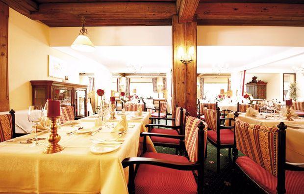 urlaub-mit-hund-seefeld-in-tirol-restaurant