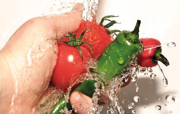 mediterrane-kueche-senden-tomate