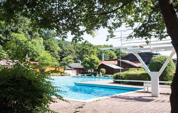 romantikwochenende-steinwiesen-pool