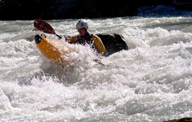 wildwasser-kanu-tour-schneizlreuth-abenteuer