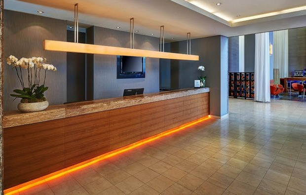 staedtereise-duesseldorf-hotel-rezeption