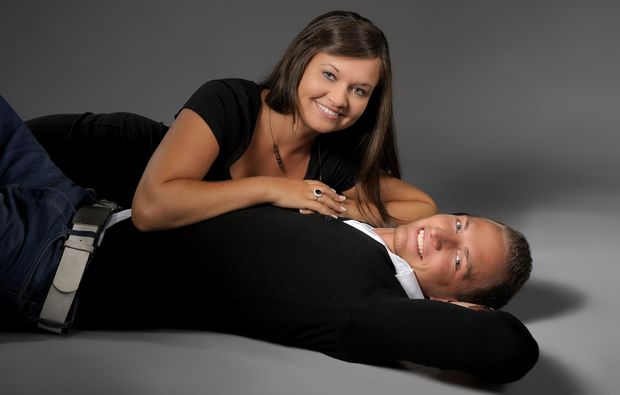 partner-fotoshooting-bielefeld-lachen