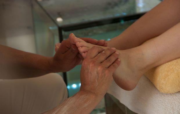 fisch-pedikuere-bad-muenstereifel-massage