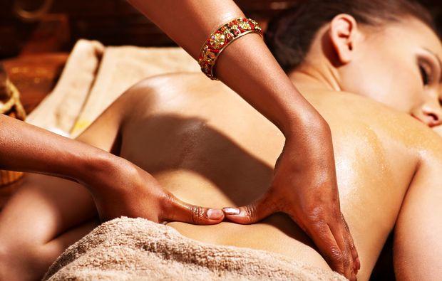 ayurveda-massage-bad-schlema