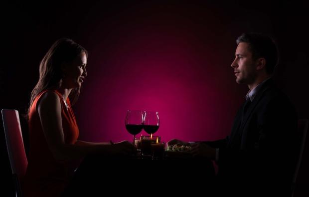 dinner-in-the-dark-fuer-zwei-saarbruecken-romantisch
