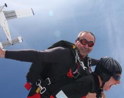 Fallschirm-Tandemsprung Nikolsdorf Sprung aus ca. 4.000 Metern - ca. 30-60 Sekunden freier Fall