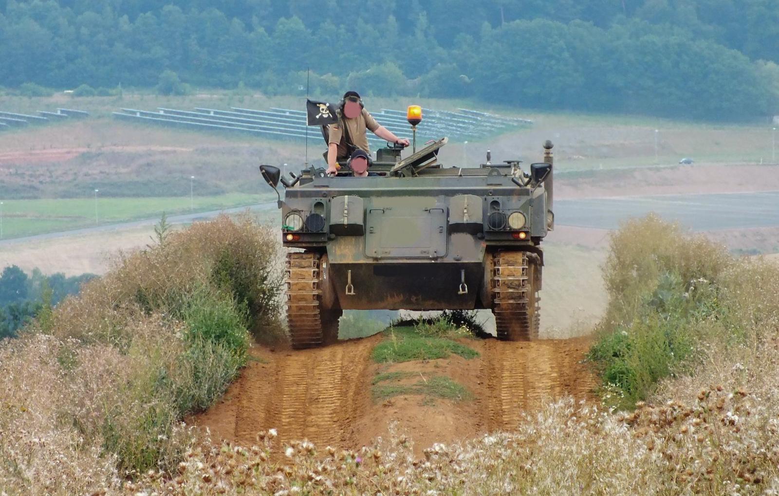 schuetzenpanzer-selber-fahren-30-min-bg3