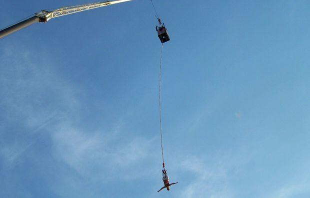 bungee-jumping-ueber-wasser-havel-werder