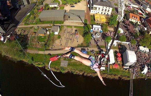 bungee-jumping-ueber-wasser-werder-havel