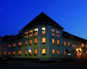 Kurzurlaub inkl. 30 Euro Leistungsgutschein - Hotel Korona Eger - Eger Hotel Korona Eger