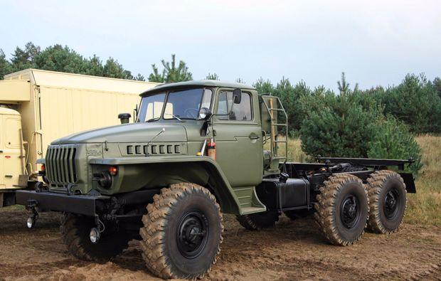truck-offroad-fahren-mahlwinkel-militaer
