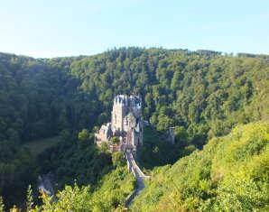 Wanderung zur Burg Eltz zur Burg Eltz - 4 Stunden