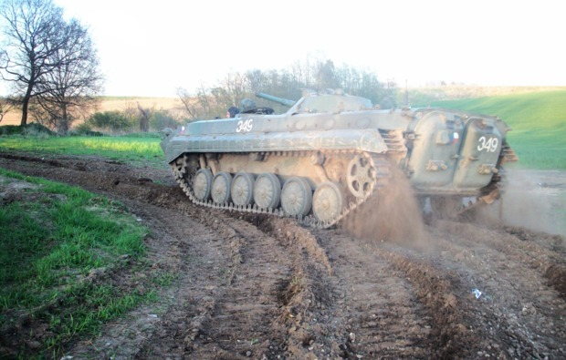panzer-fahren-baebelinkuchelmiss-bg1
