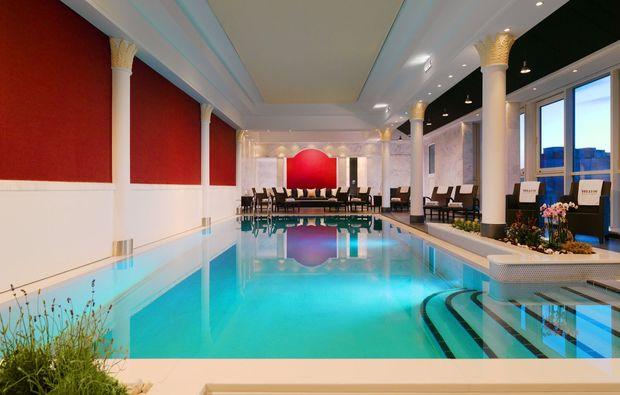 spa-oasen-frankfurt-am-main-pool