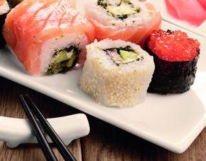 Sushi Restaurants (Sushi-Mittagsmenü) - Colonnaden 5 - Hamburg Mittags- und Abendmenü, inkl. Tee & Wein