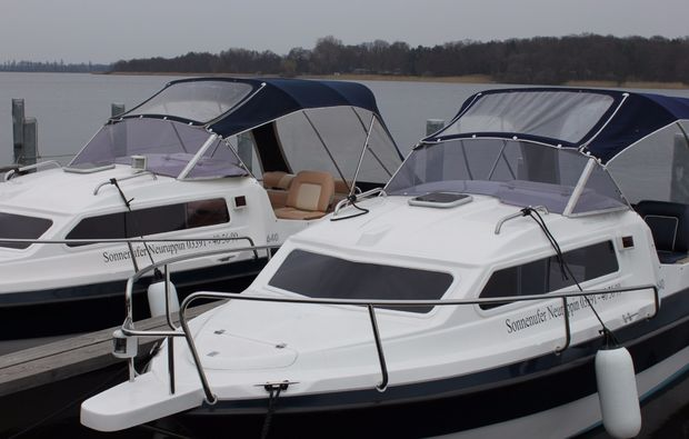 motorboot-fahren-rheinsberg-boot