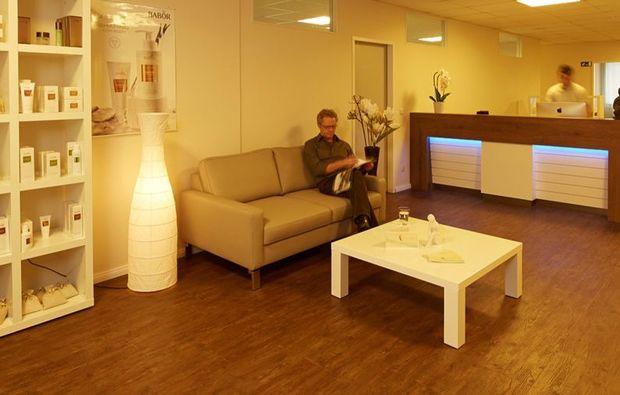 hot-stone-massage-wuerselen-erlebnis