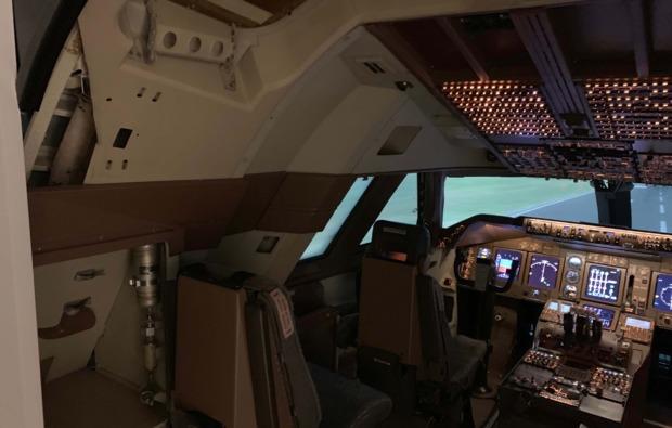 3d-flugsimulator-koeln-flugkabine