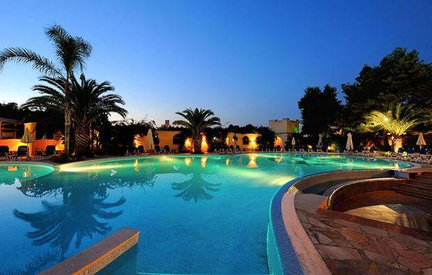hotel-meer-italien-21511445851